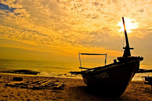 beach-picture-eclipse-Malaysia-Shutterhack-pic