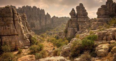 rock-mountains-wallpaper